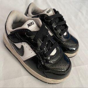 Toddler Nike Shoes Size 6C